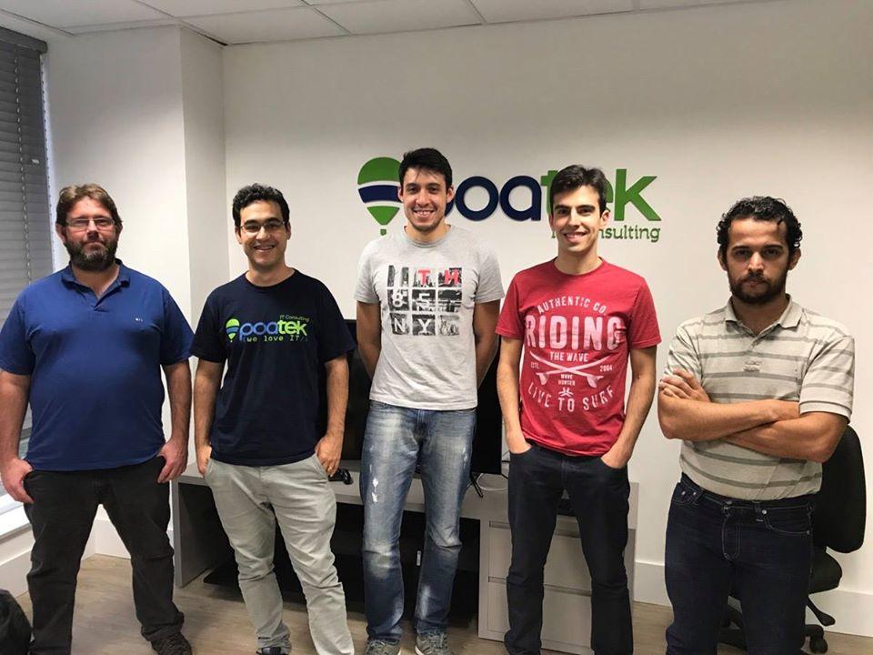 Parte da equipe de desenvolvedores que embarcou para os EUA