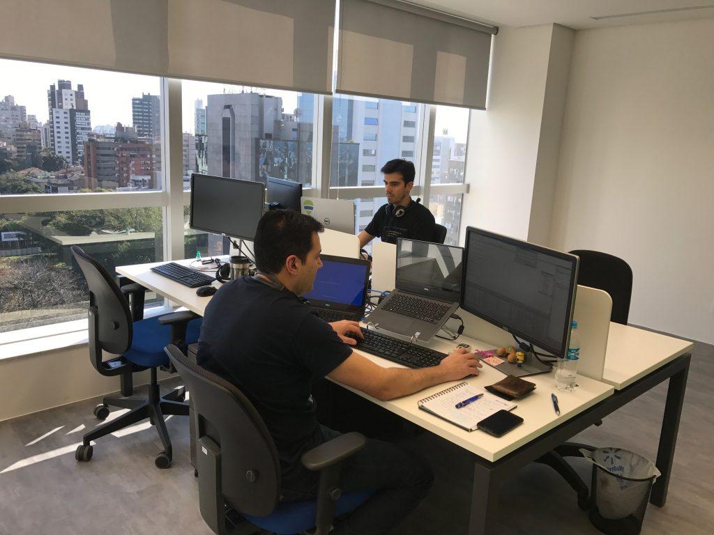Engenheiros de Software da Poatek na nova sede